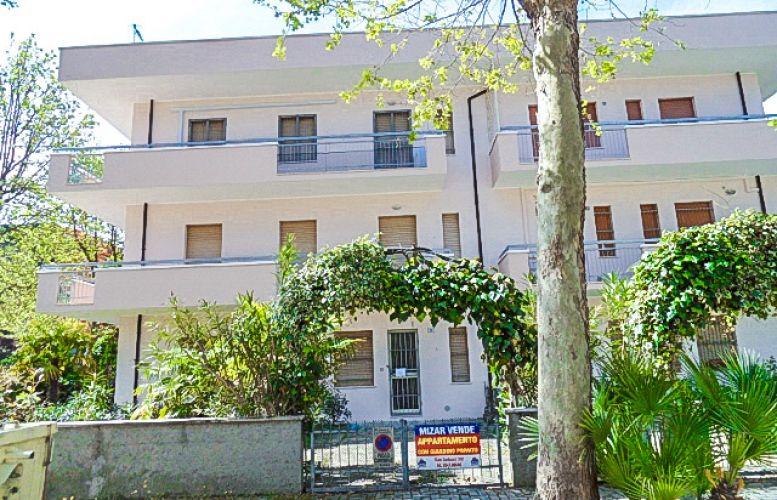 Affitto Valverde 125 Villa Aurora