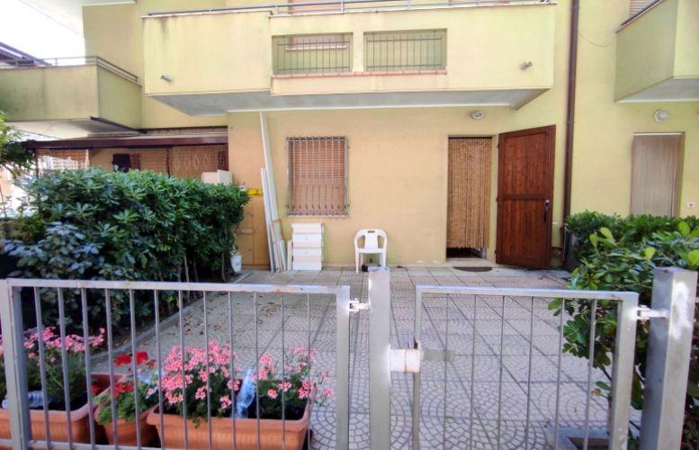 Affitto Valverde 145 Villa Silvia