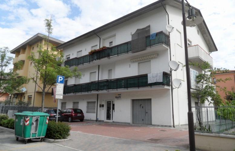 Affitto Valverde 080 Condominio Pollarini