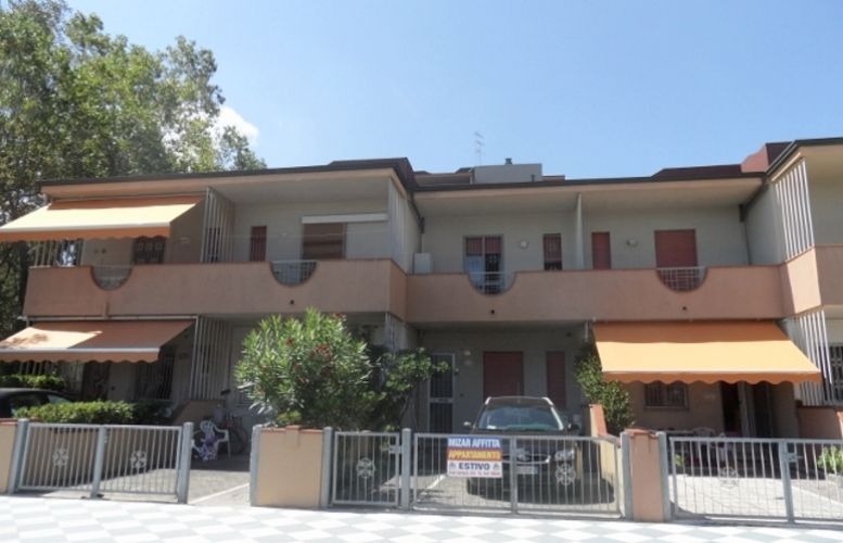 Affitto Valverde 090 Villa Serenella  A