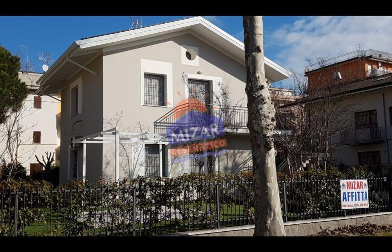 Affitto Valverde 132 Villa Donati
