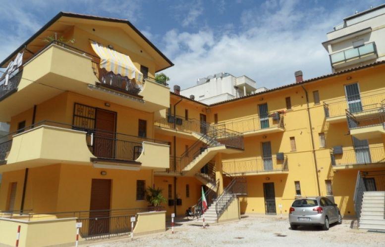 Affitto Valverde 121 Villa delle Camelie