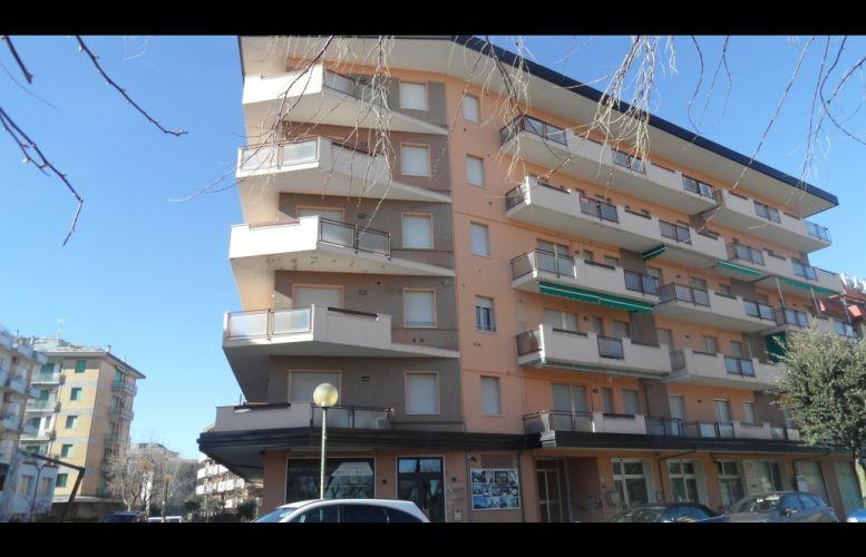 Affitto Valverde 040 Condominio Palace
